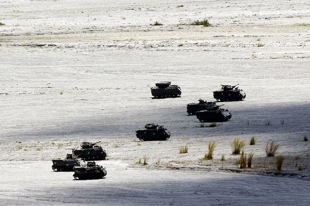 Khí tài quân sự Mỹ - Philippines phô diễn sức mạnh trong tập trận lớn nhất năm - 7