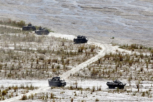 Khí tài quân sự Mỹ - Philippines phô diễn sức mạnh trong tập trận lớn nhất năm - 8