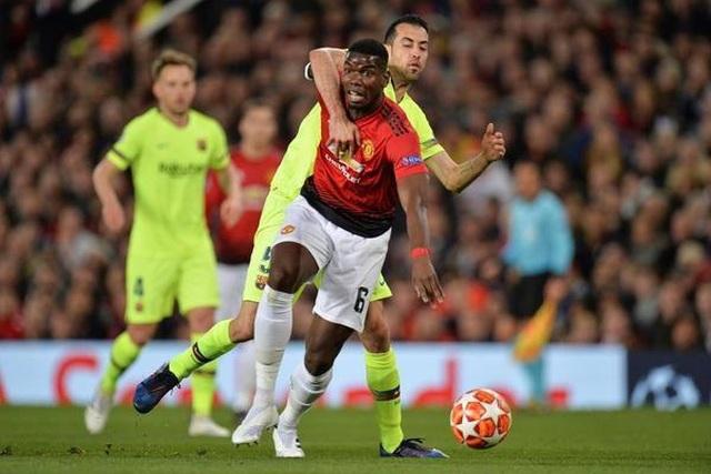 Man Utd 0-1 Barcelona: Luke Shaw phản lưới nhà - 3