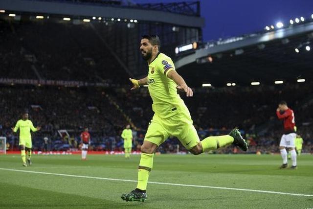 Man Utd 0-1 Barcelona: Luke Shaw phản lưới nhà - 2