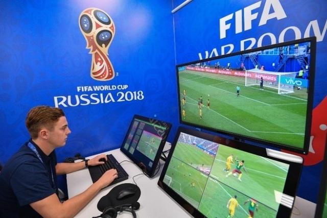 Trọng tài liên tục sai sót, V-League sắp có công nghệ VAR
