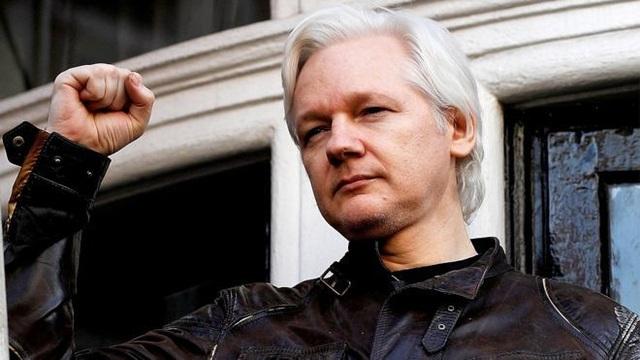 Ông chủ WikiLeaks bị bắt tại Anh sau nhiều năm trốn chạy - 1