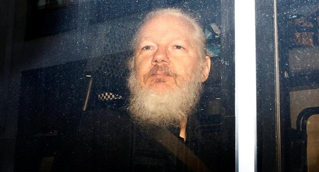 Phản ứng của thế giới về vụ bắt giữ ông chủ WikiLeaks - 1