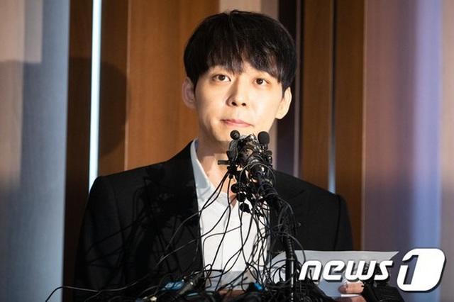 Park Yoochun mở họp báo nói về mối quan hệ với bạn gái cũ vừa bị bắt vì ma túy - 2