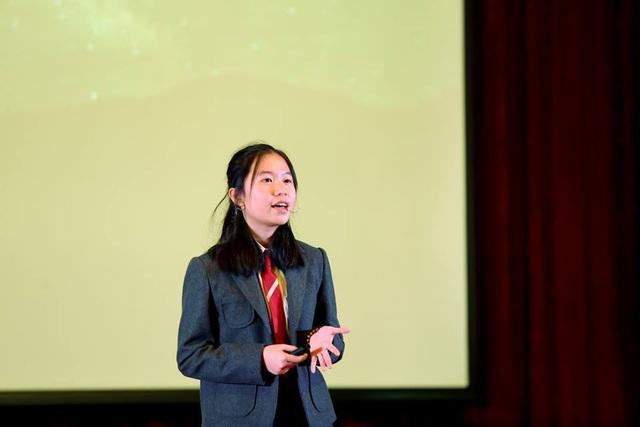 Cô bé 14 tuổi báo động vấn đề Ô nhiễm ánh sáng trên sân khấu TEDx - 1