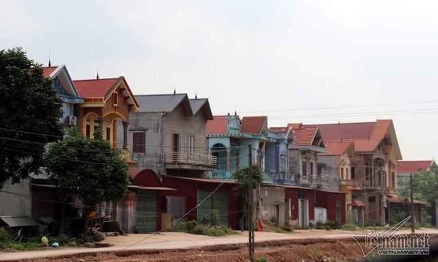 Bất ngờ thôn nghèo: Loạt nhà tiền tỷ mọc lên san sát chỉ sau mấy năm - 5