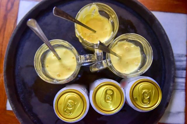 Món lạ Hà thành: Độc đáo món bia trứng khiến thực khách thích mê - 1