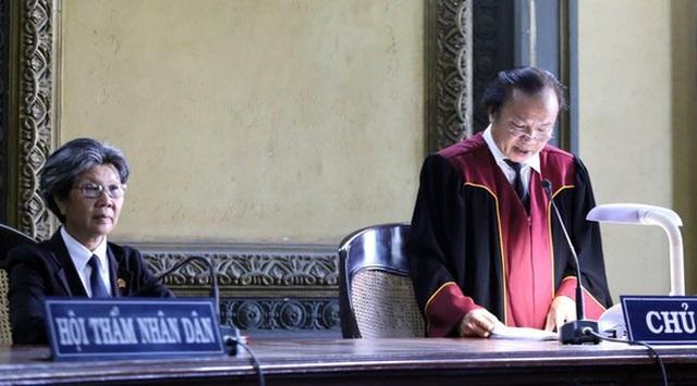 Tòa vượt quyền khi giao Trung Nguyên lại cho ông Đặng Lê Nguyên Vũ? - 2