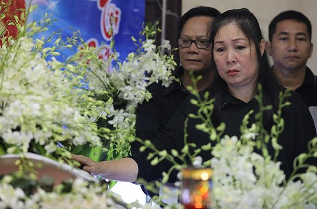 Phương Thanh, Minh Nhí, Trịnh Kim Chi… nghẹn ngào tiễn biệt nghệ sĩ Anh Vũ - 8