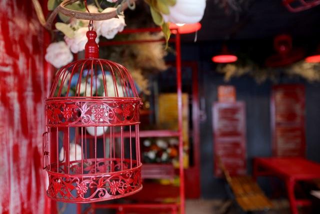 Quán cà phê hè phố theo phong cách Pháp ở Sài Gòn - 12