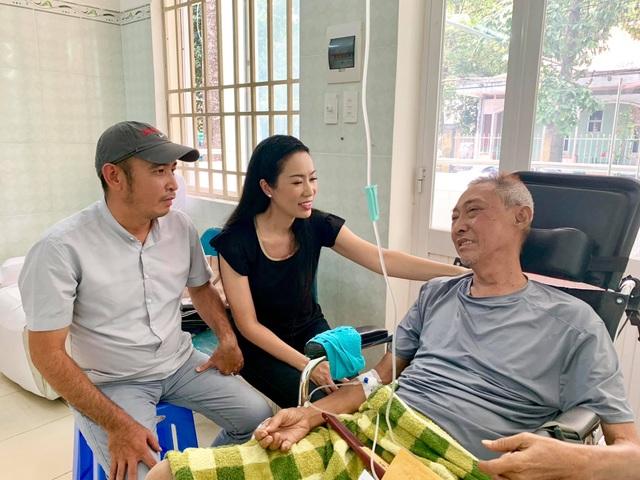 Nghệ sĩ Lê Bình bị hoại tử, sức khoẻ chuyển biến xấu - Ảnh minh hoạ 2
