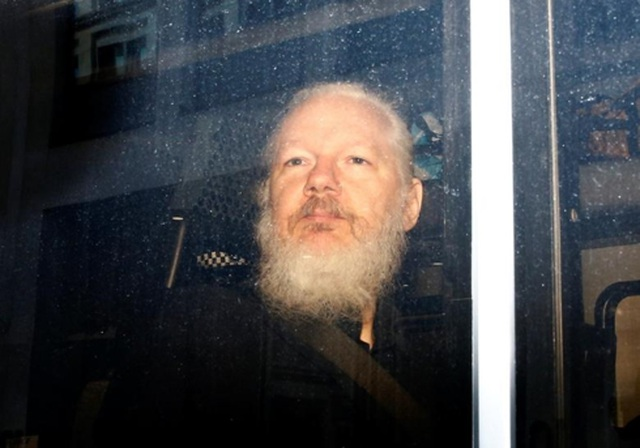 """Những """"quả bom"""" của WikiLeaks khiến chính phủ Mỹ """"đau đầu"""" - 1"""
