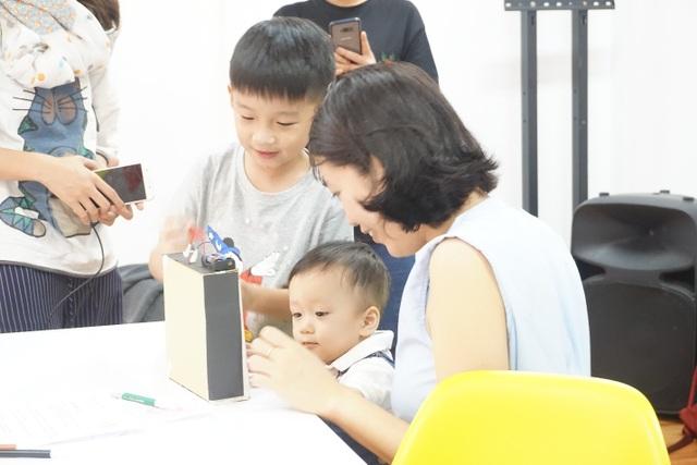Xuân Bắc giúp con trai làm chủ công nghệ trong kỷ nguyên 4.0 - 2