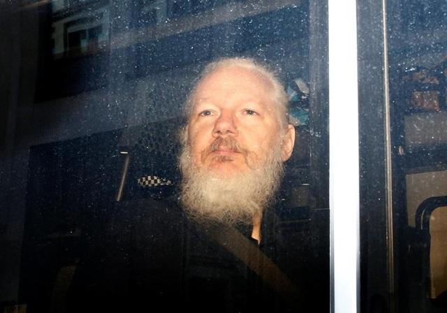 """7 năm ròng """"tá túc"""" trong Đại sứ quán Ecuador tại Anh của ông chủ WikiLeaks - 9"""