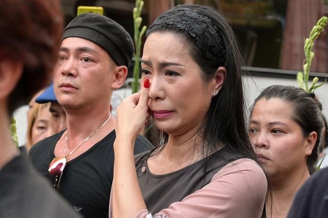 Phương Thanh, Minh Nhí, Trịnh Kim Chi… nghẹn ngào tiễn biệt nghệ sĩ Anh Vũ - 16