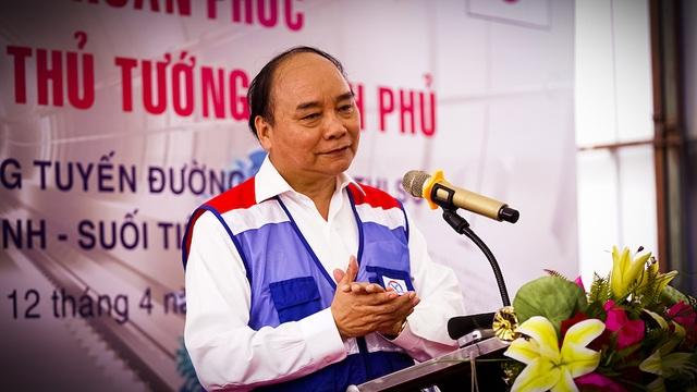 Thủ tướng Nguyễn Xuân Phúc thị sát tuyến metro số 1 của TPHCM - Ảnh minh hoạ 5