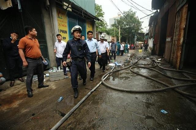 Cháy dữ dội khu nhà xưởng ở Hà Nội, ít nhất 8 người chết và mất tích - 3