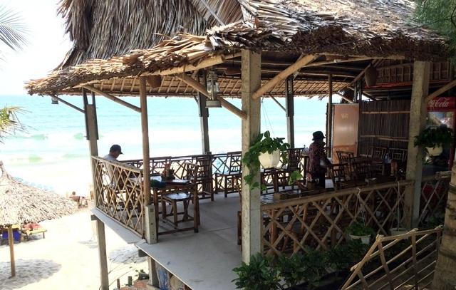 Băm nát bãi biển An Bàng, Hội An