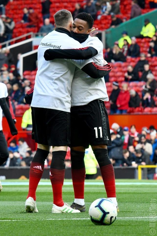 Man Utd 2-1 West Ham: Cú đúp từ chấm 11m của Pogba - 8