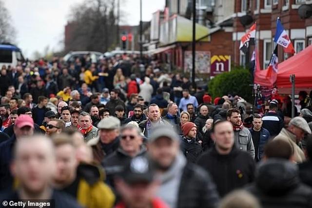 Man Utd 2-1 West Ham: Cú đúp từ chấm 11m của Pogba - 13