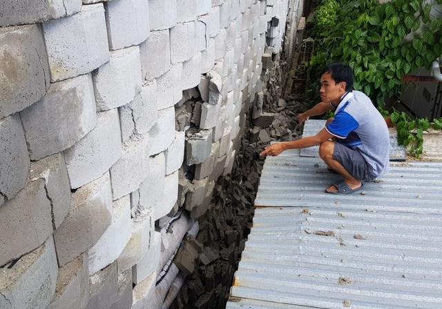 """Dân đồng ý bán đất, Sở nói kiên quyết thực hiện phương án tháo dỡ tường chắn """"khủng"""" - 5"""
