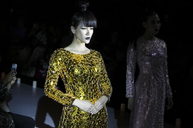 Thuý Diễm hoãn kỷ niệm ngày cưới đi catwalk với Trang Trần, Kim Dung - 8