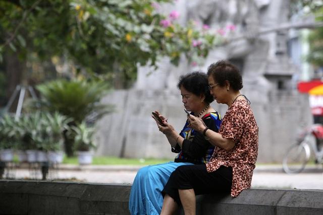 Hà Nội: Nhiều tuyến phố trung tâm vắng hoe, yên ả trong ngày đầu tiên nghỉ lễ - 10
