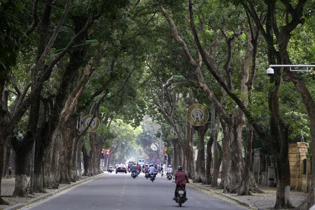 Hà Nội: Nhiều tuyến phố trung tâm vắng hoe, yên ả trong ngày đầu tiên nghỉ lễ - 3