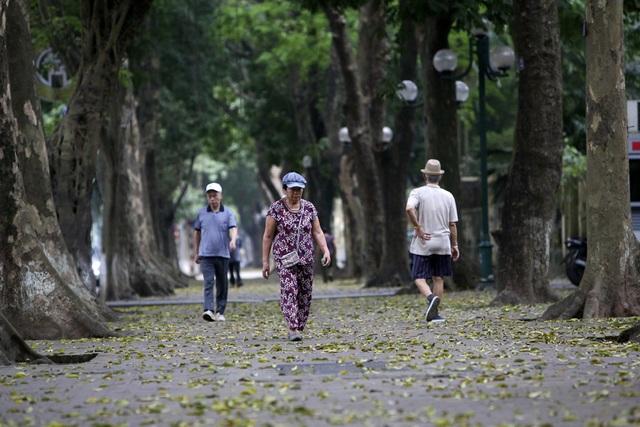 Hà Nội: Nhiều tuyến phố trung tâm vắng hoe, yên ả trong ngày đầu tiên nghỉ lễ - 4