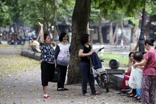 Hà Nội: Nhiều tuyến phố trung tâm vắng hoe, yên ả trong ngày đầu tiên nghỉ lễ - 5