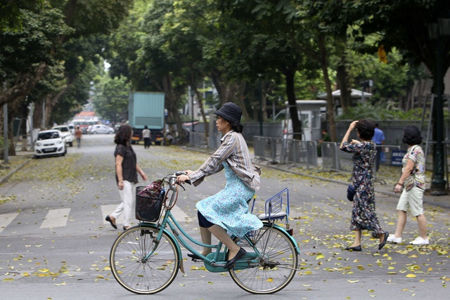 Hà Nội: Nhiều tuyến phố trung tâm vắng hoe, yên ả trong ngày đầu tiên nghỉ lễ - 9
