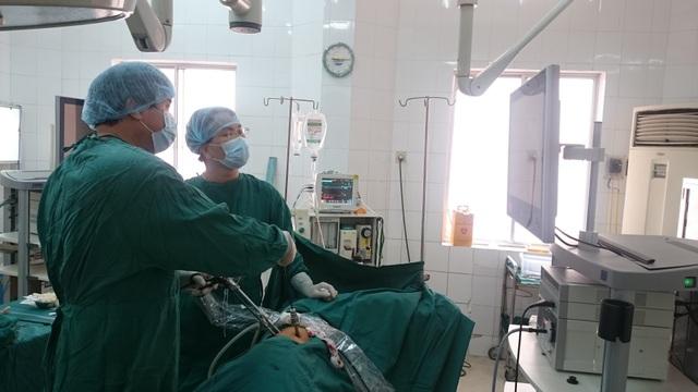 61 bác sĩ nộp đơn xin nghỉ việc vì... lương thấp, áp lực công việc cao - 3