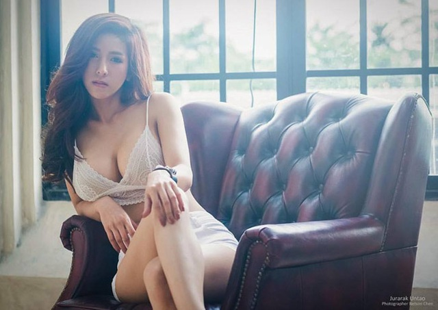 Cô gái bán nộm Thái Lan nổi tiếng vì quá gợi cảm - 6