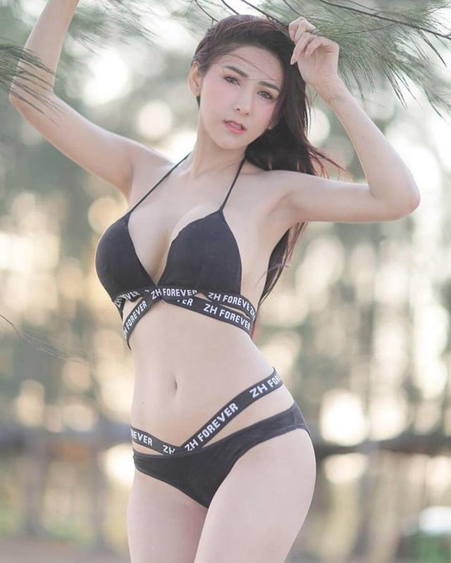 Cô gái bán nộm Thái Lan nổi tiếng vì quá gợi cảm - 8