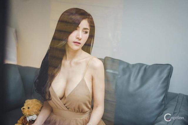 Cô gái bán nộm Thái Lan nổi tiếng vì quá gợi cảm - 9
