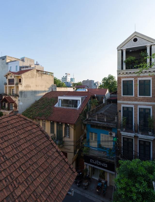 """Nhà xập xệ trong phố cổ Hà Nội """"lột xác"""" đẹp xuất sắc khiến báo Tây cũng mê - 1"""