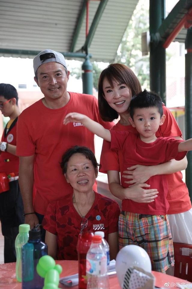 Vợ chồng Lý Minh Thuận - Phạm Văn Phương khoe ảnh gia đình hạnh phúc - 6