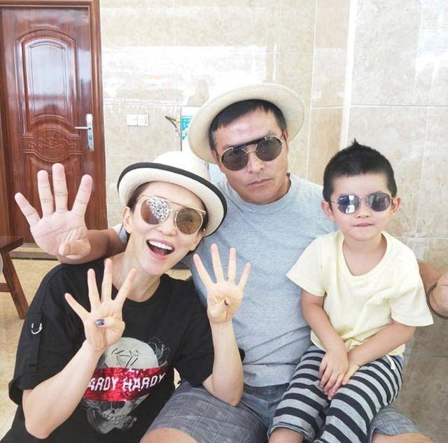 Vợ chồng Lý Minh Thuận - Phạm Văn Phương khoe ảnh gia đình hạnh phúc - 7