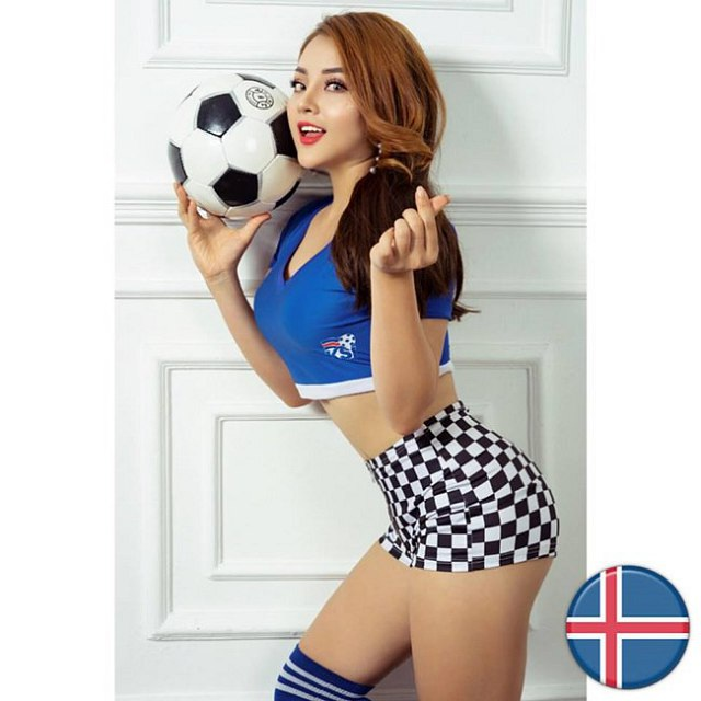 Sau 1 năm, Trâm Anh và dàn hot girl World Cup thay đổi chóng mặt - 8