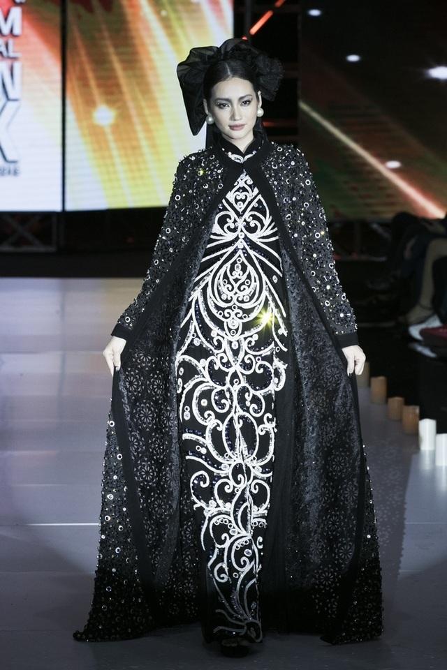 Thuý Diễm hoãn kỷ niệm ngày cưới đi catwalk với Trang Trần, Kim Dung - 6