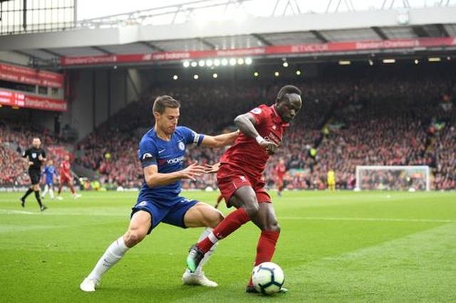 Liverpool 2-0 Chelsea: Hai phút, hai bàn thắng và ngôi đầu bảng - 12