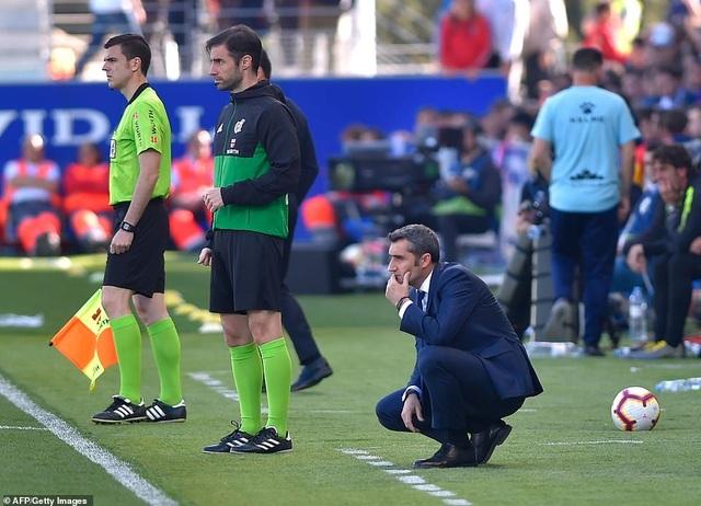 Hòa đội cuối bảng, Barcelona chỉ còn hơn Atletico 9 điểm - 2