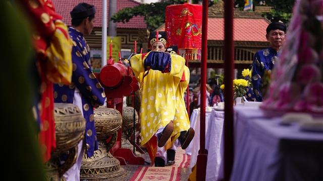 Long trọng lễ rước kiệu Vua Hùng ngày giỗ Tổ - 2