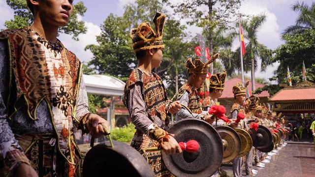 Nam thanh nữ tú các dân tộc hướng về giỗ Tổ Hùng Vương - 2