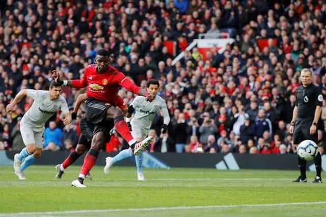 Man Utd 2-1 West Ham: Cú đúp từ chấm 11m của Pogba - 4