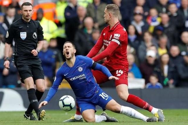 Liverpool 2-0 Chelsea: Hai phút, hai bàn thắng và ngôi đầu bảng - 14