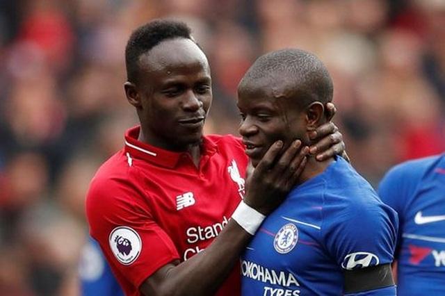 Liverpool 2-0 Chelsea: Hai phút, hai bàn thắng và ngôi đầu bảng - 11