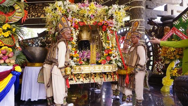 Long trọng lễ rước kiệu Vua Hùng ngày giỗ Tổ - 5