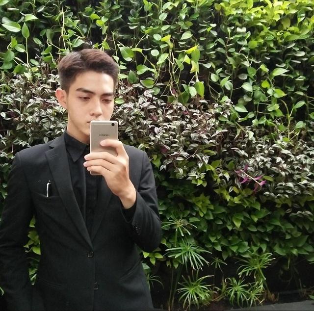 """""""Hot boy bàn bên"""" ĐH Tôn Đức Thắng khiến dân mạng rần rần tìm kiếm - 7"""