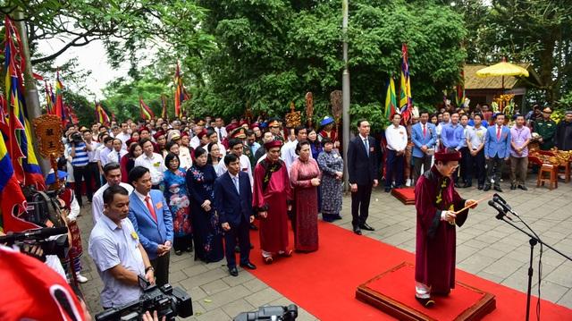 Chủ tịch Quốc hội dâng hương tưởng nhớ các Vua Hùng - 4